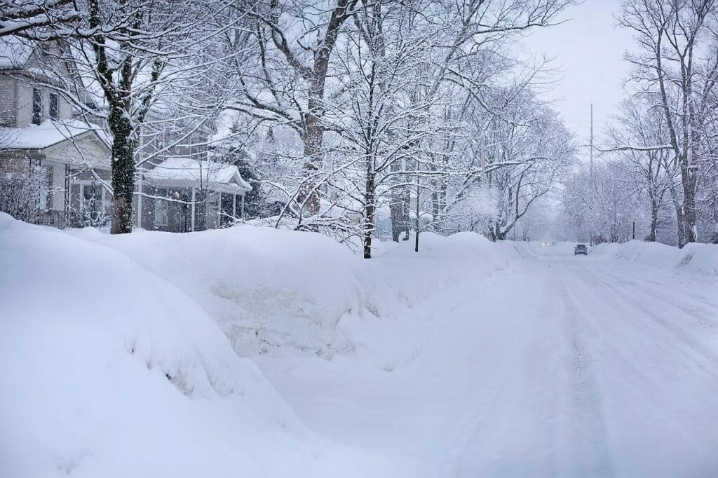 Schneeräumung durch den Winterdienst in Coburg (Herr GmbH)