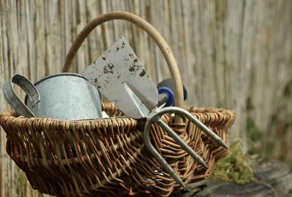 Gartengeräte - Rasen lüften
